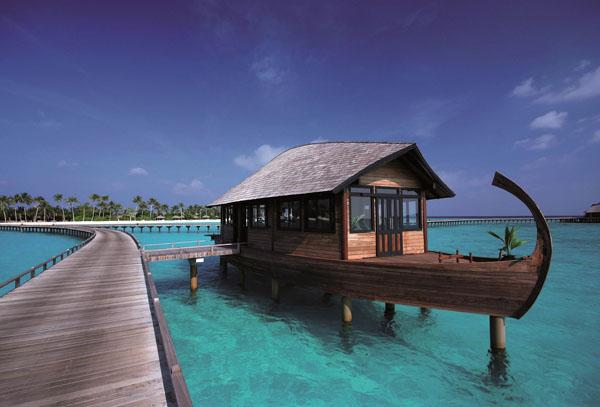 Hilton maldives iru fushi resort spa tauchjournal for Hilton hotels in maldives