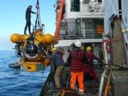 """Das Tauchboot """"JAGO"""" wird vom Forschungsschiff """"POSEIDON"""" aus eingesetzt, Foto. K. Hissmann, IFM-GEOMAR"""