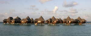 Coco Palm Resort Dhuni Kolhu: Wasserbungalows, Foto: © Coco Palm Resorts