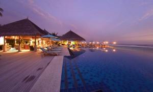 Dhoni Bar und Pool, Foto: © Naladhu