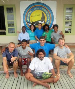Das Team der Tauchbasis, Foto: © Divepoint Maldives