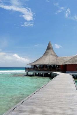 Walkaway nach Ban Huraa, Foto © Anantara Veli Resort & Spa