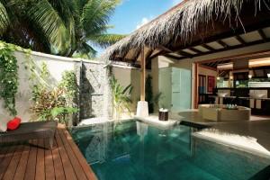 LUX* Maldives Resort & Spa: Beachvilla mit Pool, Foto: © LUX* Island Resorts
