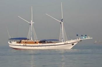 SY Palau Siren