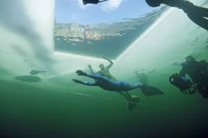 Peter Colat unter dem Eis, Foto © Gerald Nowak