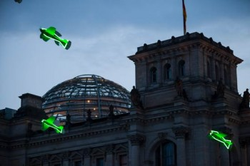 Fliegende Fische über Berlin