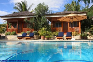 Der Pool im Resort, Foto: © Magic Island Dive Resort
