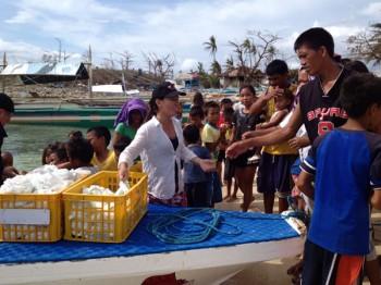 Verteilung von Hilfsgütern