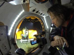 Dr. Sascha Flögel im Tauchboot JAGO