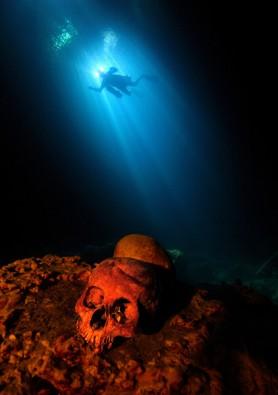 1.800 Jahre alter Maya-Schädel in der Unterwelt von Mexiko, Foto: © Uli Kunz - www.uli-kunz.com