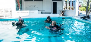 Ausbidlung im Pool