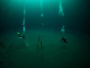 Tauchen in der Cenote Angelita