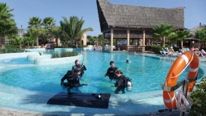 Tauchausbildung im Pool
