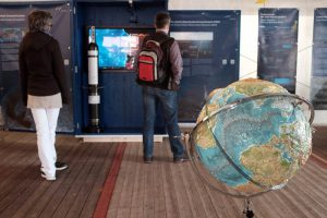"""Ausstellung """"Unsere Ozeane - Deine Zukunft"""""""