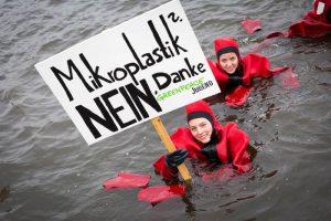 Greenpeace-Aktion in der Hamburger Binnenalster
