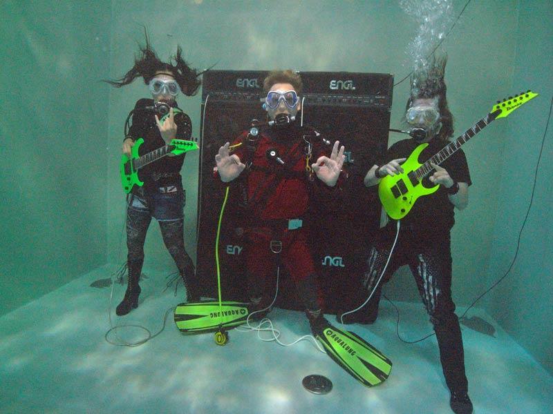 Heavy Metal unter Wasser