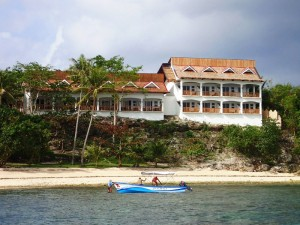 URA VIDA BEACH & DIVE RESORT CABILAO